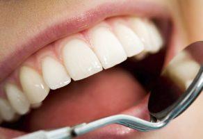 Diş Eti Kanamasının Nedenleri