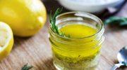 Harika Faydaları için Zeytinyağı ve Limonu Karıştırın